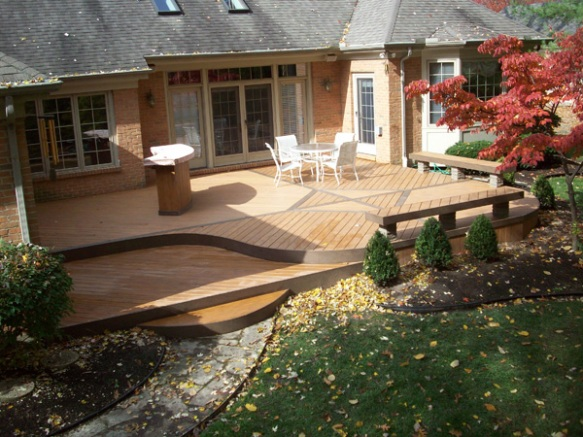 Deck with rounded edges
