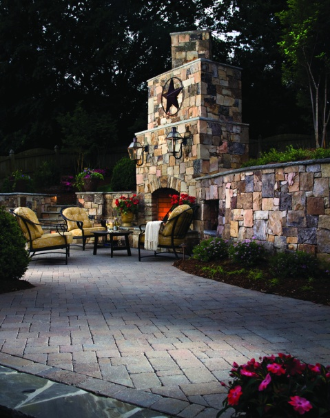 patio-and-fireplace-w-star-hardscapes