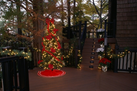 The Christmas deck by Archadeck of Greater Atlanta