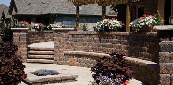Belgard hardscape seating wall incorporated into surround