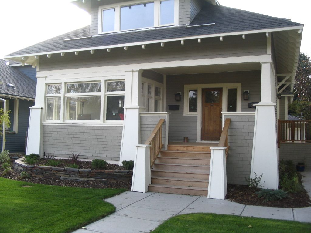 Front porch craftsman style for Front balcony
