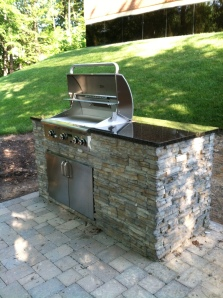 installing-outdoor-kitchen